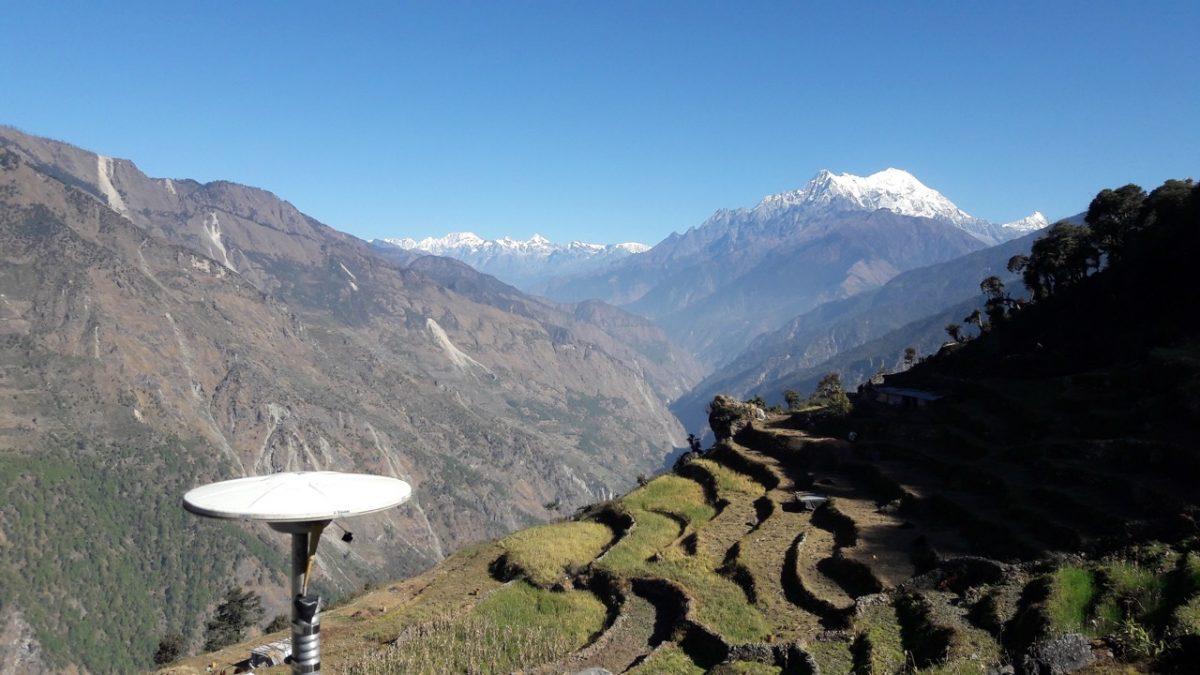 Seismometer-langtang-Himalayas-Nepal